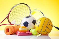 Artículos del equipo y de la aptitud de deporte Fotografía de archivo libre de regalías