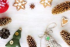 Artículos para adornar las vacaciones de invierno Imagen de archivo