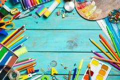 Artículos para la creatividad del ` s de los niños fotografía de archivo libre de regalías