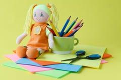 Artículos para la creatividad del ` s de los niños, fondo Fotos de archivo libres de regalías