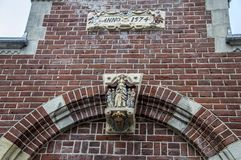 Art Above The Entrance At o Begijnhof em Amsterdão o 2018 holandês fotografia de stock royalty free