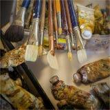 Art Brushes und Ölfarbe Stockbilder