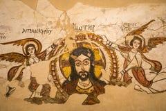 Art chrétien égyptien dans le mur d'église en Egypte photographie stock