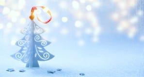 Art Christmas-achtergrond met Kerstboom, sneeuw en sneeuwvlok Royalty-vrije Stock Fotografie