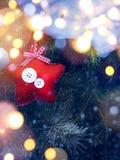 Art Christmas Holidays-Hintergrund mit verziertem Weihnachtsbaum Lizenzfreie Stockfotografie