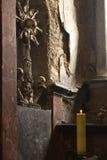 Art Cross von den menschlichen Knochen und von den Schädeln Stockbilder