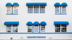 Art décohotellkusten parkerar i Miami Beach, Florida Arkivbilder