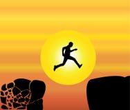 Art d'illustration de conception de l'avant-projet de l'homme convenable de jeunes sautant d'une roche de émiettage de montagne à  Photos libres de droits
