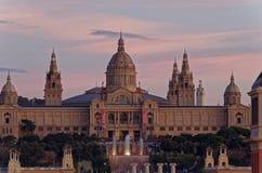 ` Art de Catalunya al tramonto, Barcellona, Spagna di Museu Nacional d fotografia stock libera da diritti