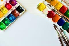 Art de la peinture Ensemble de peinture : brosses, peintures, aquarelle, acry Images libres de droits