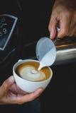 Art de latte de café dans le café photographie stock