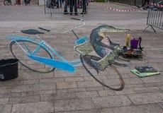Art de rue montrant l'illusion optique Photos stock