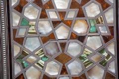 Art de tabouret avec les modèles géométriques sur le bois Photo libre de droits