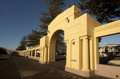 Art Deco archway in Napier city. After Napier was destroyed by a massive earthquake in 1931 the city and it's public areas such as these grounds of the Sound Stock Photos