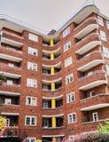Art Deco Brick Apartment Building a Londra Inghilterra immagini stock