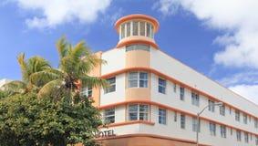 Art Deco byggnad på havdrev, Miami Beach arkivfoton