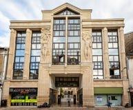Art Deco byggnad som tas i Reims fotografering för bildbyråer