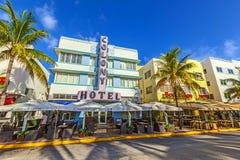 Art Deco Colony Hotel en la impulsión del océano en Miami Beach Fotos de archivo