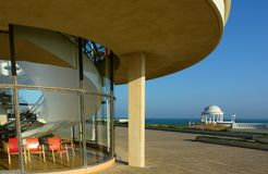 Art Deco a courb? l'ext?rieur De la Warr Pavilion Bexhill, le Sussex image stock