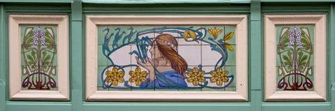 Art Deco dekoracja z kobietą i kwiatami Zdjęcia Royalty Free