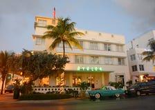 Art Deco Projektuje Avalon w Miami plaży Zdjęcie Stock