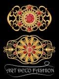 Art- DecoBrosche mit roten Edelsteinen, Rubin oder Granat, goldenes mit Filigran geschmücktes antikes Juwel Herrliche Goldschmied Lizenzfreie Stockfotos