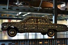 Art Decor fantastico, automobile classica decorata fotografia stock