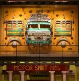 Art Decor variopinto fatto delle automobili d'annata nel museo di trasporto di eredità Fotografia Stock Libera da Diritti