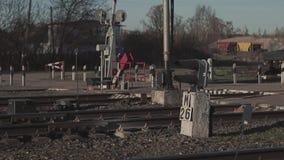 Art der Verlegung am Bahnhof stock video footage