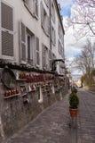 Art Gallery bonito na rua velha em Paris França Fotografia de Stock Royalty Free