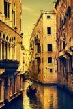 Art Gondolas e canais em Veneza fotografia de stock