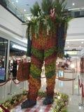 Art Installation Floral Shopper fotografia de stock royalty free