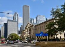 Art Institute e a skyline da avenida de Michigan fotos de stock royalty free