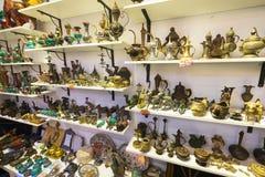 Art Land souvenirlager i den centrala marknaden, Kuala Lumpur royaltyfria foton