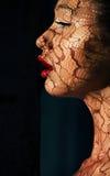 Art Makeup creativo. Retrato de la mujer asiática en luz del sol con el Tracery Imagen de archivo