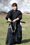 Art martial japonais avec l'épée de katana Photos stock
