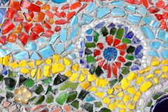 Art. muur van het achtergrond het kleurrijke glasmozaïek. Stock Afbeeldingen