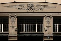 Art Nouveau byggnad i Riga, Lettland Arkivbilder