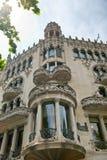 Art Nouveau byggnadsfasad i Barcelona, Spanien Royaltyfria Foton