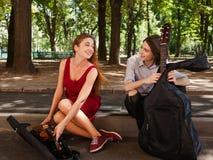 Art roman de musique de date d'interprète de rue Photographie stock libre de droits