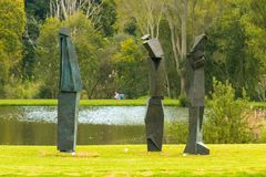 Art Sculpture Exhibition all'aperto al parco di Nirox immagini stock libere da diritti