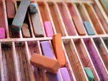 Art Supplies: Färgkritapastell royaltyfri bild