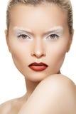 Art und Weisebaumuster mit den Lippen richten, kreative Augenbrauen her Lizenzfreies Stockfoto