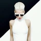 Art und Weisefoto Blondes Baumuster Lizenzfreie Stockfotos