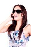 Art und Weisefrau, die am Telefon spricht Stockfoto