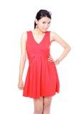 Art- und Weisejunge Frau mit rotem Tuch Lizenzfreie Stockfotos
