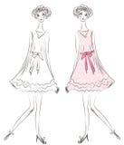 Art und Weisemädchen im rosafarbenen Kleid Stockfotos