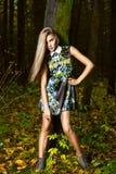 Art und Weiseportrait der jungen schönen Frau Stockfotos