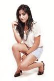 Art und Weiseportrait der netten jungen hispanischen Frau Lizenzfreie Stockfotos