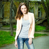 Art und Weiseportrait der schönen Frau Lizenzfreie Stockfotografie